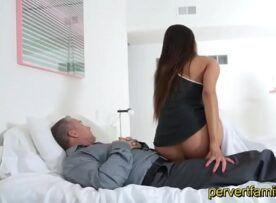 Pornolandia de filha safada fodendo com papai